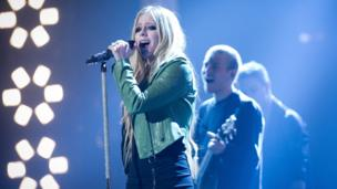 Avril Lavigne 'thought she was dying'