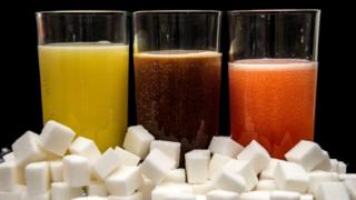 Carbonated drinks with sugar cubes