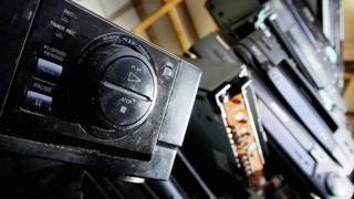 Швейцарія також планує почати відмикати FM-радіотрансляцію із 2020 року