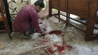 Les victimes de l'explosion près de la cathédrale Saint Marc sont principalement des femmes et des enfants