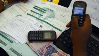 Selon la banque mondiale, l'Afrique subsaharienne a la proportion la plus élevée de comptes en banque mobile.