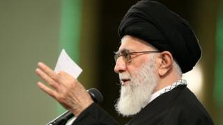 رهبر ایران در جمع شماری از مقام های حکومتی و مهمانانی از کشورهای اسلامی سخنرانی کرده است