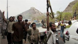 Southern Resistance fighters head towards Aden (16/07/15)