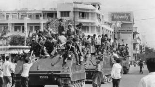 Quân Khmer Đỏ tiến vào Phnom Penh ngày 17/4/1975