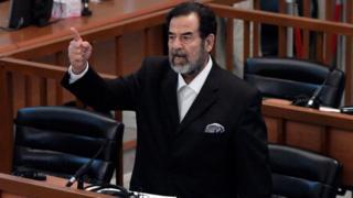 Saddam Hüseyin mahkemede