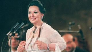 الفنانة المصرية نجاة الصغيرة تعود للغناء بعد غياب سنوات طويلة