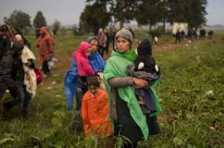 Migrants on Serbia-Croatia border near Tovarnik, 24 Sep 15