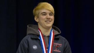 Mack Beggs con su medalla