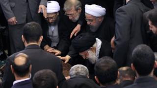 نماز میت را رهبر ایران بر پیکر آقای هاشمی خواند