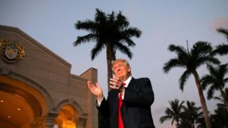 """دونالد ترامپ ده روز پیش فرمان اجرایی را با عنوان """"حفاظت از آمریکا در مقابل حملات تروریستی"""" امضا کرد"""