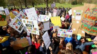 Sats protest