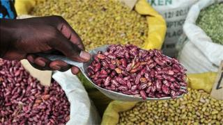 African market stall - beans (Image: International Center for Tropical Agriculture)