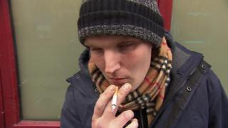 Na Dinamarca, usuários usam drogas pesadas em salas com supervisão médica