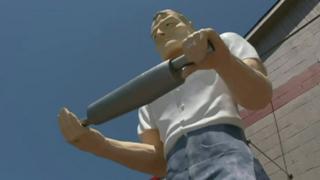 El Hombre Mofle, en Gallatin, Tennessee