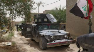 Vehicles of Iraqi Counter Terrorism Force in Falluja's southern Shuhada district (16 June 2016)