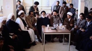 هاشمی رفسنجانی در هیات اعزامی حکومت ایران به کردستان، فروردین ۱۳۵۸