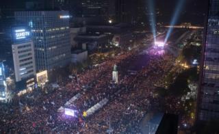 Protesters in Gwanghwamun square, Seoul
