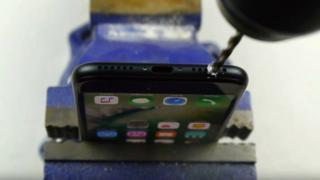 IPhone taladrado