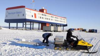 Neumayer III research station