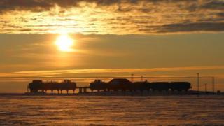 """Галлей-ІV"" - перша мобільна антарктична станція"
