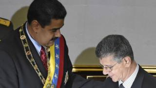 Nicolas Maduro (left) and Henry Ramos Allup during the state of the union address, 16 Jan 16
