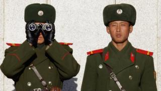 Soldados de Corea del Norte en vigilancia hacia Corea del Sur