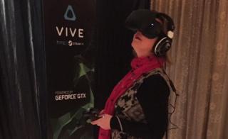 Zoe tries VR
