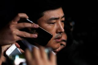 Ko Young-tae speaks to members of the media at the prosecutor's office where he appeared in connection with the alleged influence-peddling scandal involving Choi Soon-sil on 31 October 2016 in Seoul, South Korea.