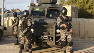Jordanian security forces deployed in Karak (19 December 2016)