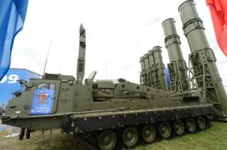 S-300 missile system on show in Moscow, 28 Aug 13 file pic