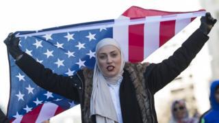 اعتراض یک مسلمان آمریکایی به دستور ترامپ
