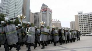 中國警方不斷在新疆加強戒備。(資料圖片)