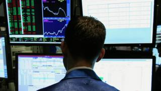 Hacker pleads guilty to insider trading