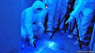 Forensic team in training (c) SPL