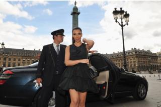 Kim Kardashian with Chanel bag
