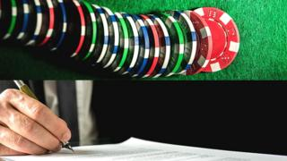 Fichas de juego y firma de seguro