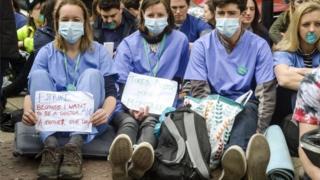 BMA to re-enter junior doctors talks