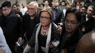 Senator Leila de Lima is taken away from the Senate in Manila (24 Feb 2017)