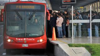 Cu les son las ciudades con mejor y peor transporte for Oficina transporte publico