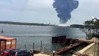Image of large plume of smoke in Veracruz, Mexico - 20 April 2016