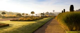 Hot Air Balloon over Trentham Gardens - Joe Wainwright / www.igpoty.com