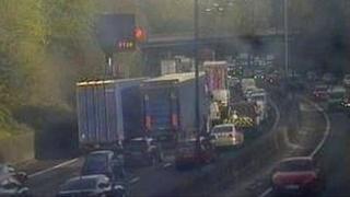 Traffic on M4