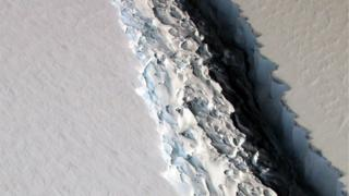 "Разлом в леднике ""Ларсен С"""