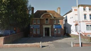 Century Old Reading Arthur Hill Memorial Baths Closes Bbc News