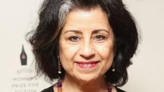 """الكاتبة أهداف سويف ترأس لجنة تحكيم جائزة """"راثبونس فوليو"""" هذا العام"""