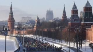 مبارزهی صدها دوچرخهسوار با سرمای مسکو