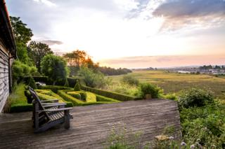 Dawn on the Deck - Marianne Majerus / www.igpoty.com