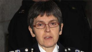 """قالت ديك، التي كانت سابقا قائد الشرطة الوطنية لمكافحة الإرهاب، إنها """"تشعر بسعادة غامرة"""