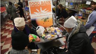 Un banco de alimentos en Nueva York.