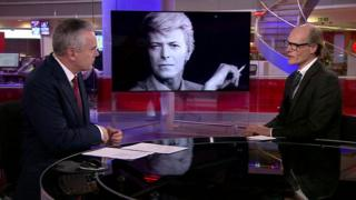 Will Gompertz with Huw Edwards on the BBC One Ten O'Clock News on the night of David Bowie's death